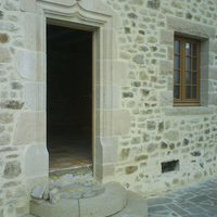 Dallages pav s encadrements portes et fen tres piliers for Appui de fenetre granit